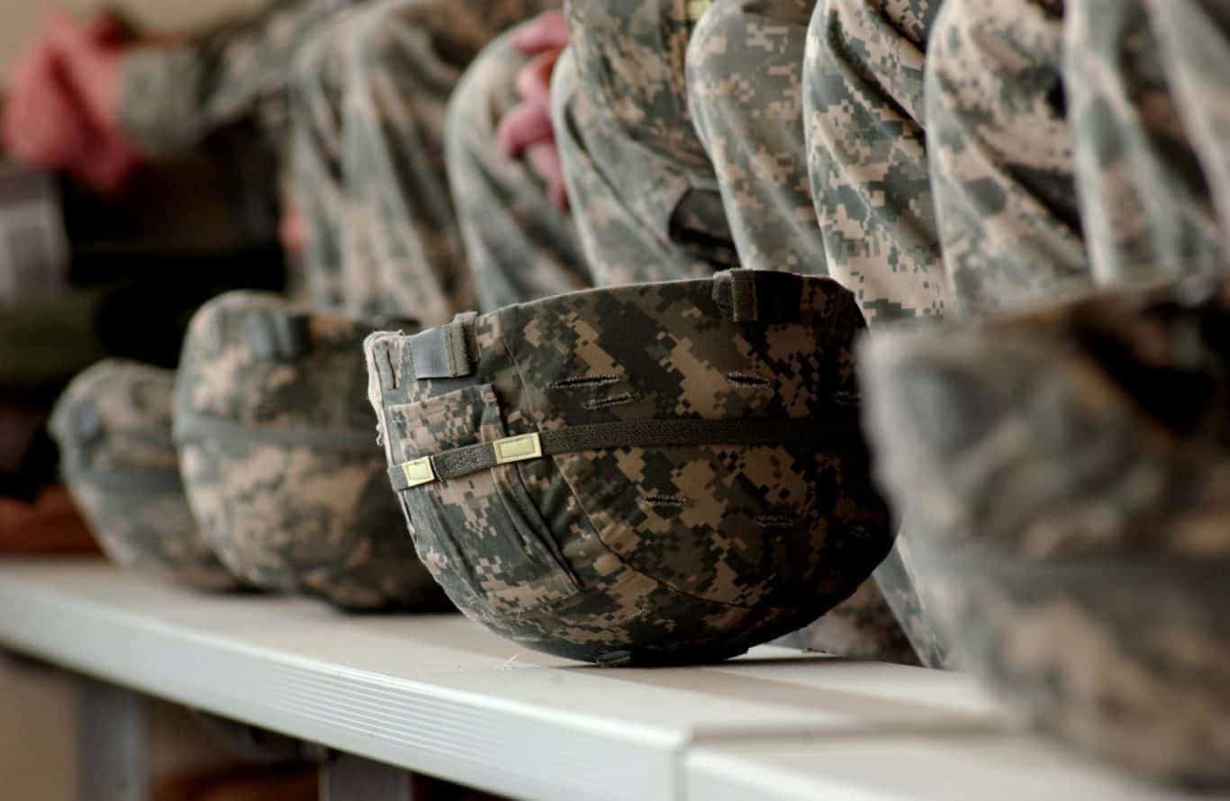 Flickr_-_The_U.S._Army_-_Army_combat_helmets